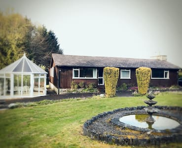 Three-bed Entire Lakeside Holiday Home in Athlone - Athlone - Haus