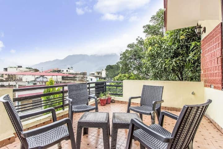 Private room with balcony near Asthapath rishikesh