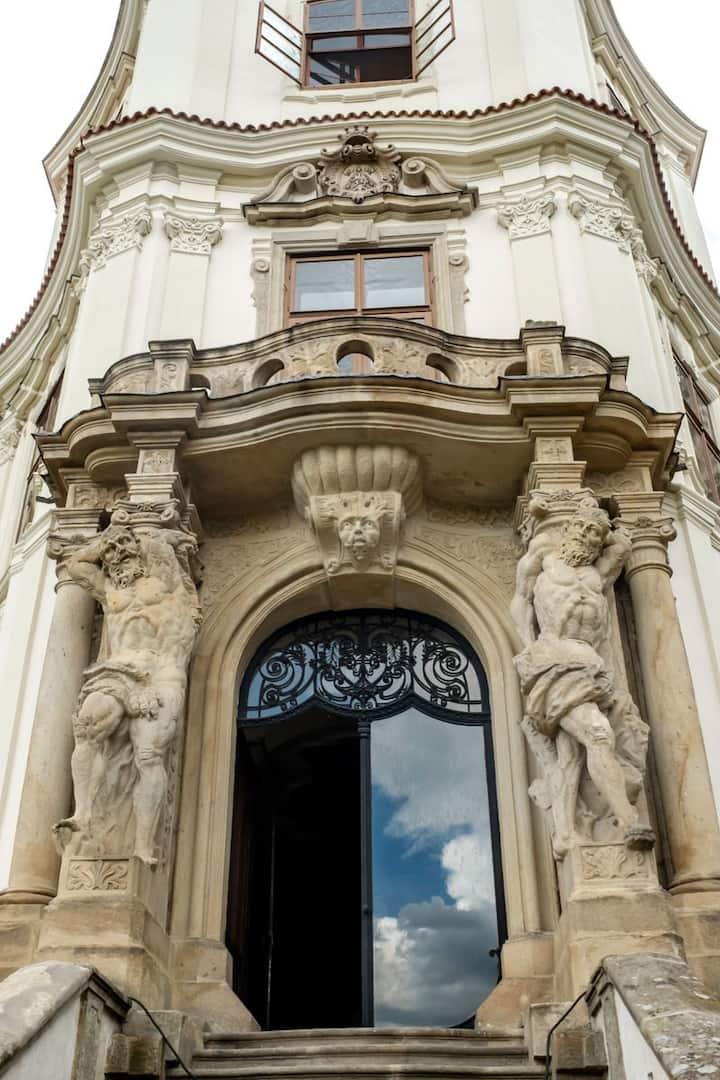 Barockschloss - großes Apartment/eigenes Stockwerk