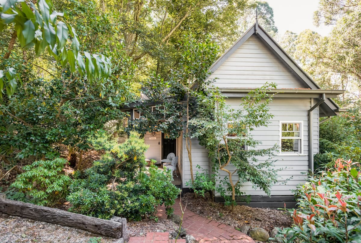 Romantic Mount Dandenong Cottage in the Forest
