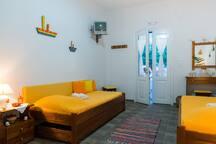 "Plori apartments, studio ""Maro-Anto"""