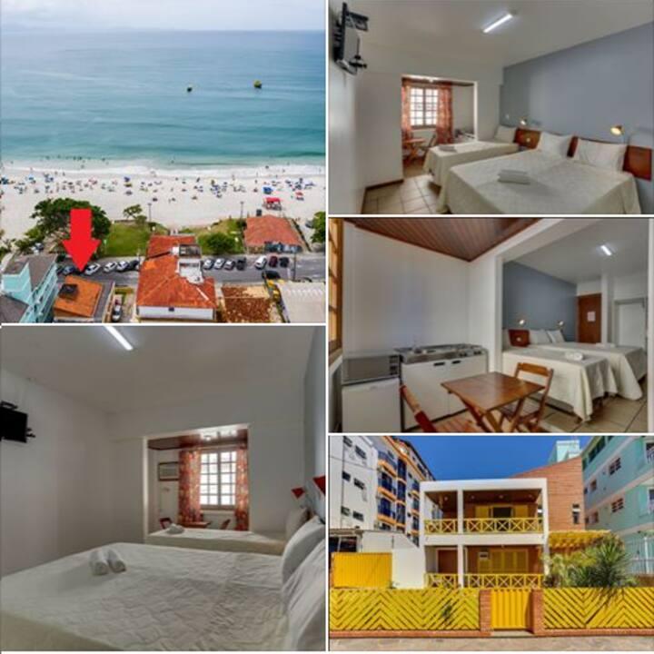 Apartamentos completos, propriedade frente mar.