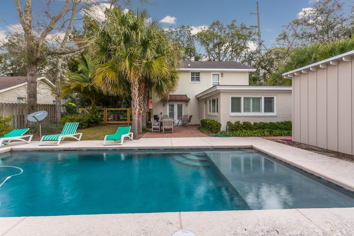 Latitude Adjustment at East Beach Home with option to Heat or Cool Pool.