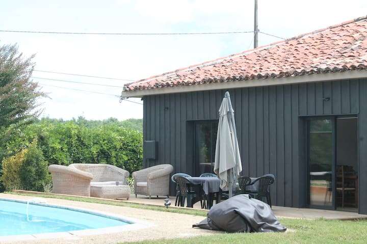 Beautiful french cottage with swimming pool