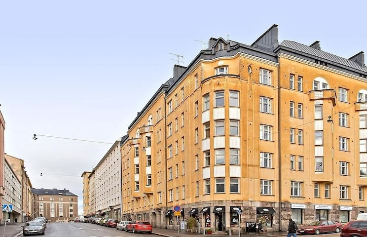 Whole TWO room apartment in chic KALLIO/Center50m2