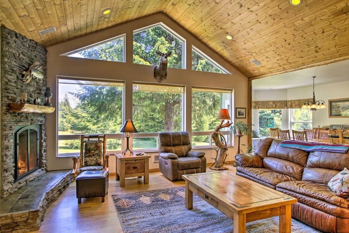 NEW! Serene South Bend Family Escape; Dogs Welcome