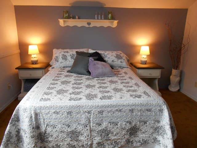 Salmonberry Lane Bed & Breakfast - Clearwater