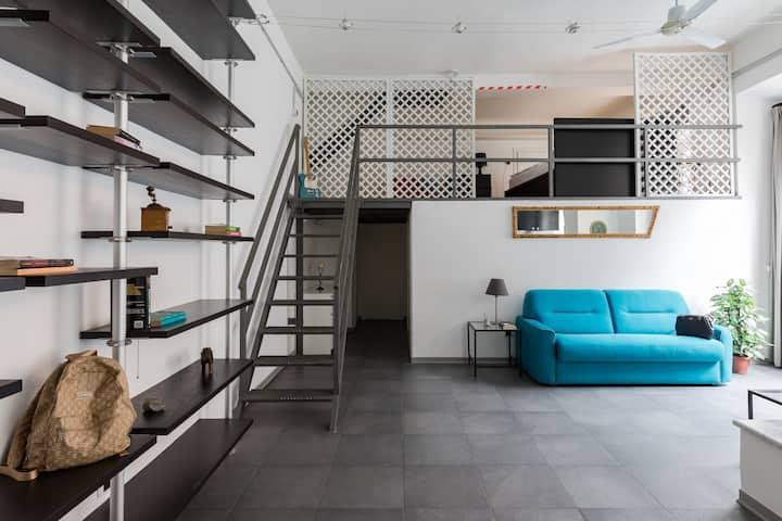 New Trevi Fontain Modern Loft Apartment!