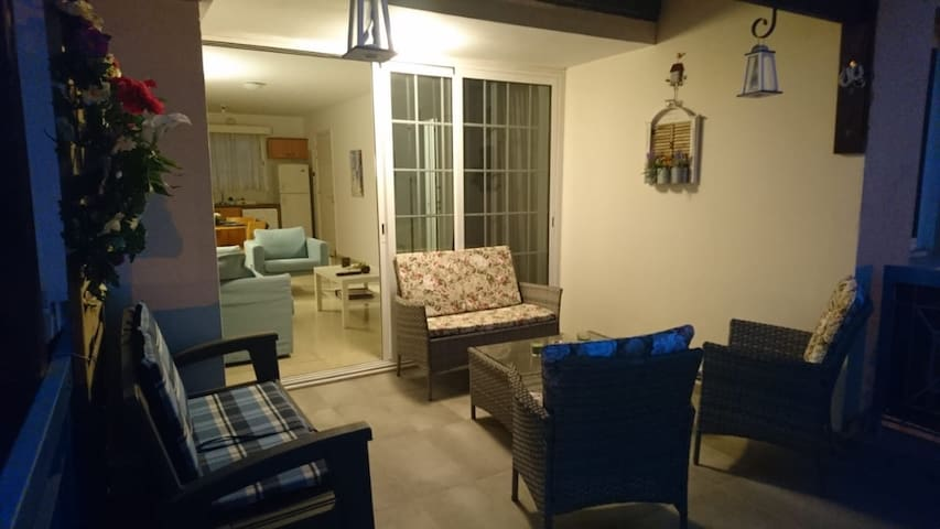 Lux&Cosy 2BdR! Great location! 4min walk to beach!