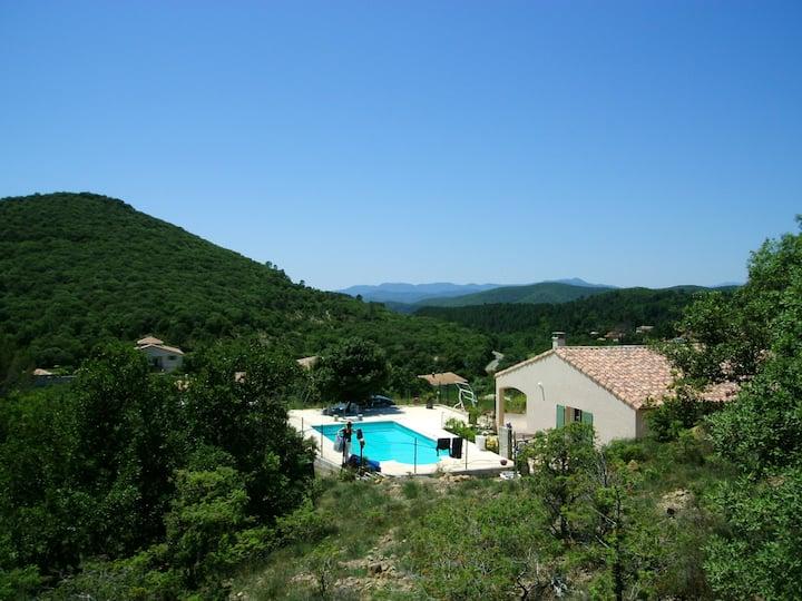 Villa med 6 soverom i Saint-Jean-du-Pin med fantastisk fjellutsikt, privat svømmebasseng, inngjerdet hage - 100 km fra stranden