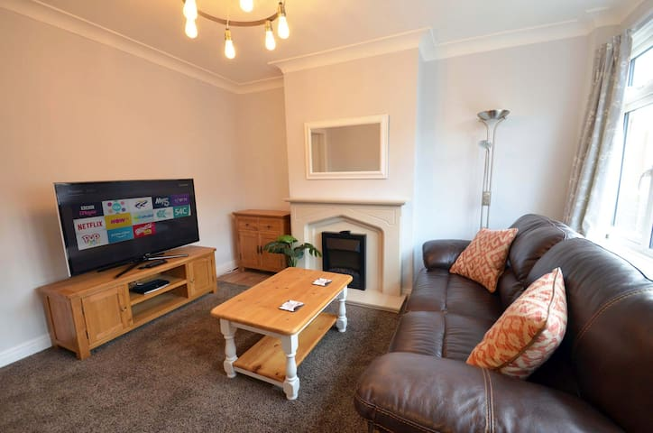Lovely 2 bedroom property in central Hyde Park