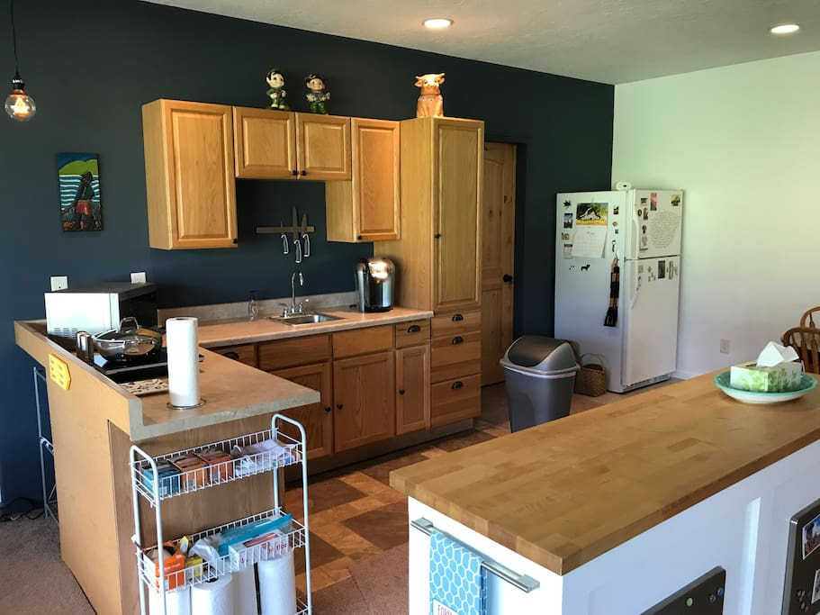 The 3/4 kitchen has all the amenities needed to prep a great meal