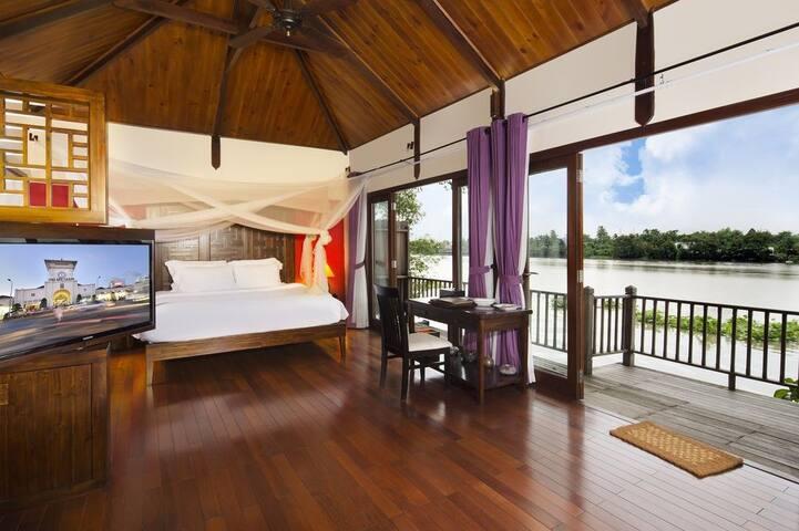 Terrific Villa on Saigon River!