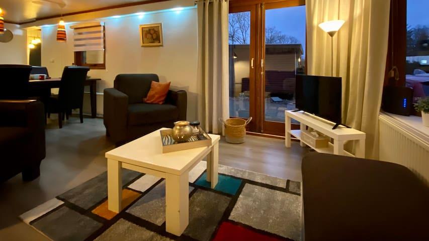 Lezie:  comfortabel , koel ontspannen op de Veluwe
