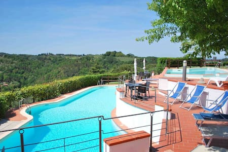 3 Bedrooms apartment with pools,Outside area,WIFI - Montaione - Leilighet
