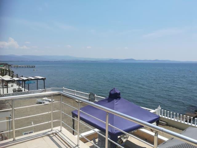 Deniz tatili _küçük ev