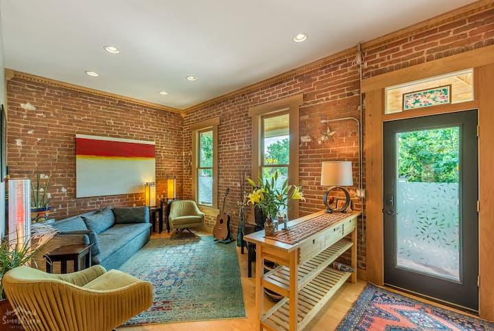 Spacious, bright and beautiful home in RiNo