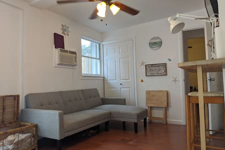 Private, clean, and comfortable in-law suite wpb!