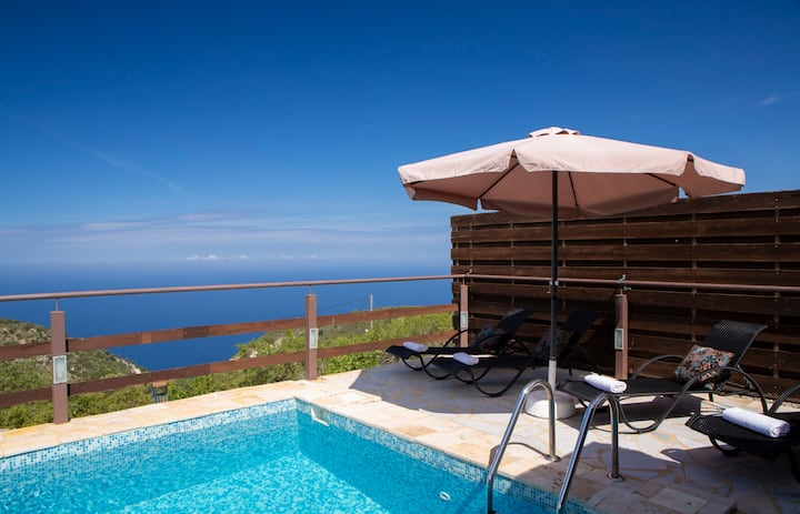 Family Cosy Villa Imera with breathtaking ionian sunset sea view!