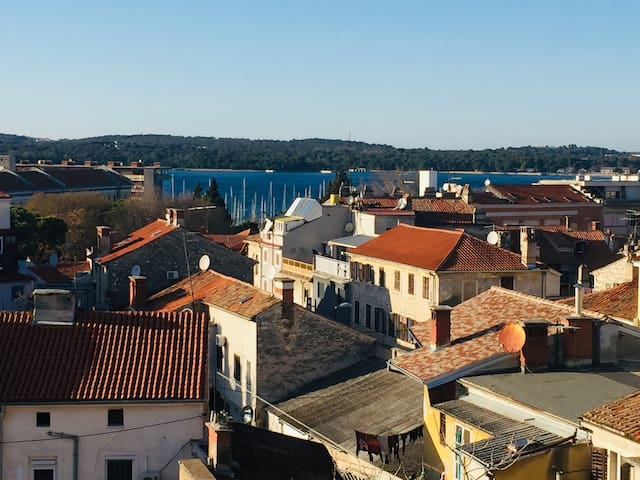 Heart of Pula-Amphitheatre and sea view apartment