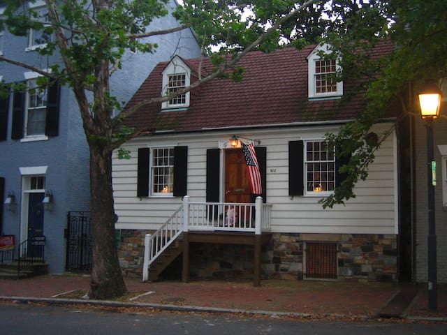 George Washington Town House - Old Town Alexandria