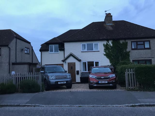 3 Bedroom House close to Goodwood & South Downs.