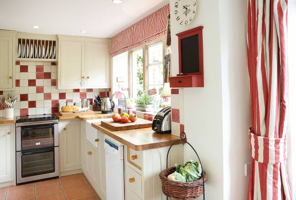 Ground floor: Kitchen and breakfast room with French doors leading to garden