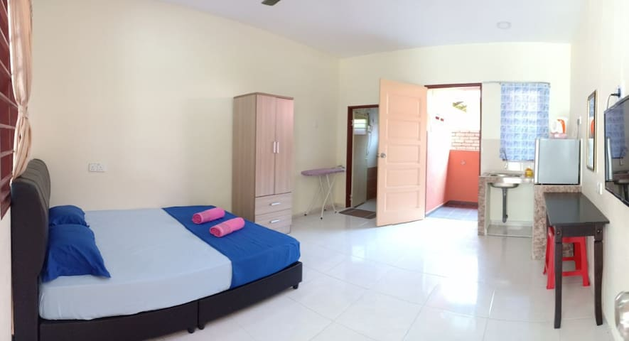 Cenang Roomstay with kitchen Area ( Langkawi )