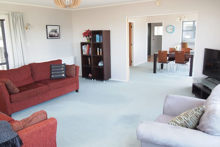 Fantastic for families - location, sun and space