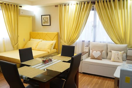 Yellow Studio Unit Near Regalado Ave Fairview QC