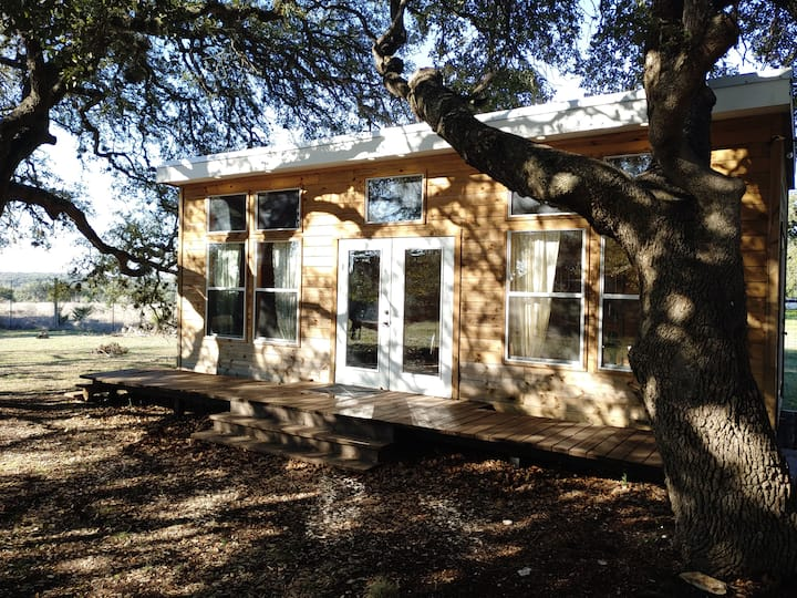 Hill Country Cedar Cabin on Organic Farm