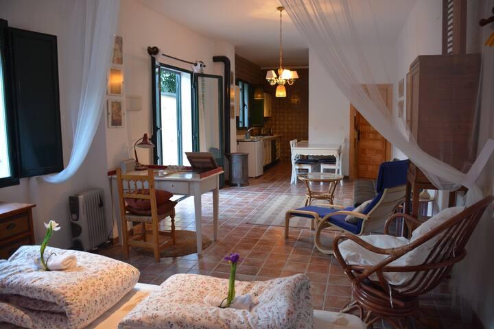 Acogedor apartamento para parejas en plena sierra