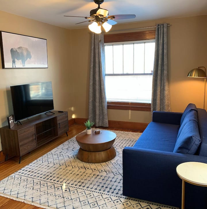Spacious Covington 1 Bed Close to Downtown Cincy