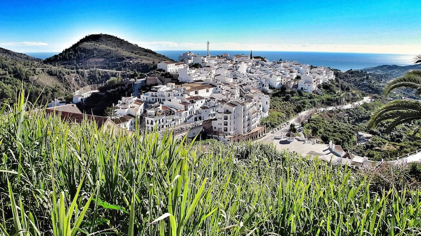 Sea Views Spacious Village Home - Amazing Location - Frigiliana - Huis