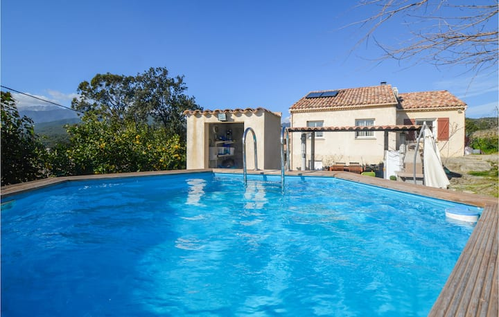 Beautiful home in Ghisonaccia with WiFi and 3 Bedrooms