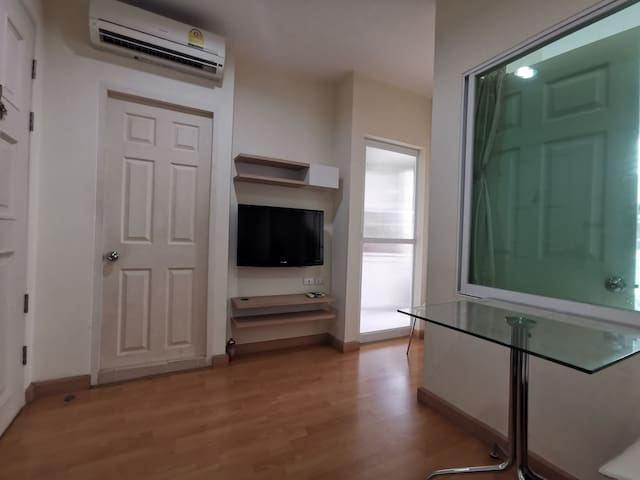 Near BTS Saphan Kwai,eco and comfortable condo