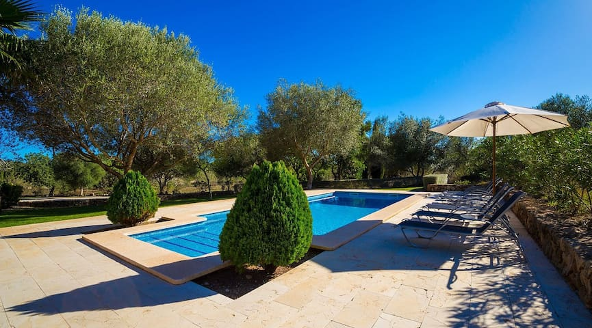 Villa Cati in Arta with private pool and wifi