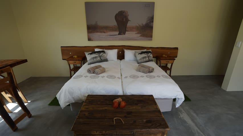 King Room - king bed