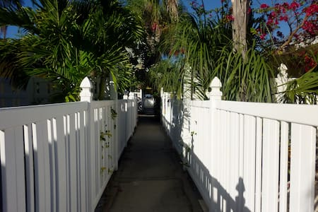 Cottage by the Sea on Anna Maria Island - Holmes Beach - Kondominium