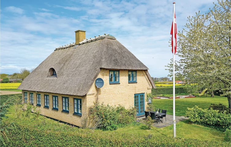 Holiday cottage with 2 bedrooms on 119m² in Augustenborg