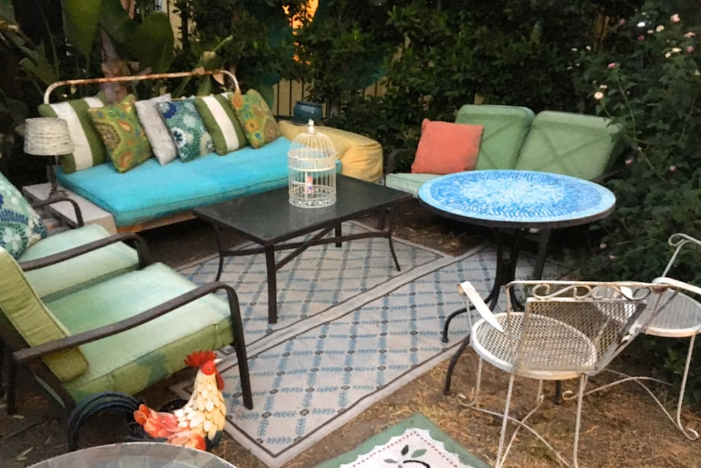 Cozy Patio-Furnished Backyard Living Room w Firepit