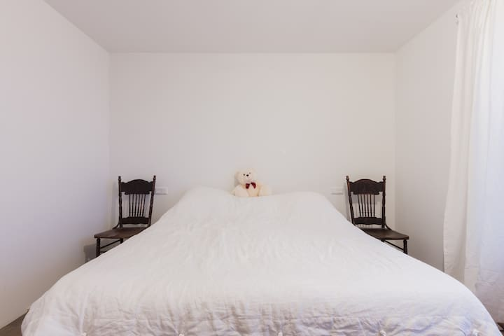 Brand new 2 bedroom apt