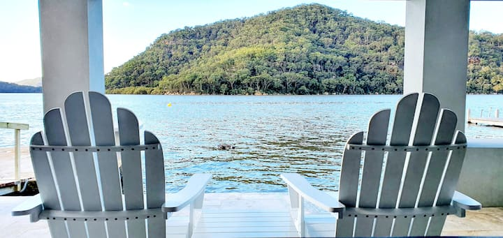 """VILLA ON COBA POINT"" Waterfront HAWKESBURY RIVER"