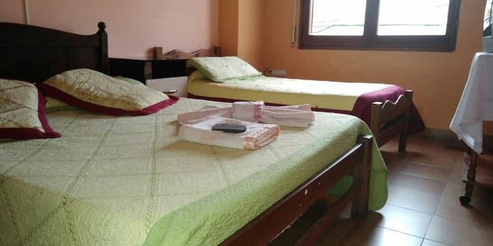 Habitaciones economicas , seguras , baño compartid