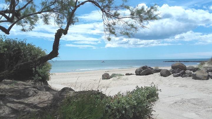 Plain pied près des plages, centre port,commerces