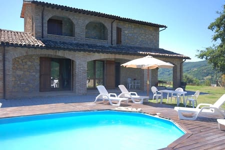 Cozy Holiday Home in Valtopina Italy with Private Pool