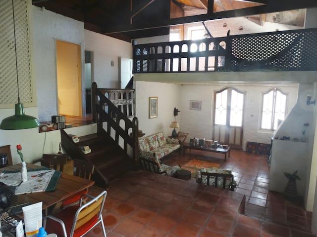 Casa na Represa de Ibiúna - Condomínio Fechado
