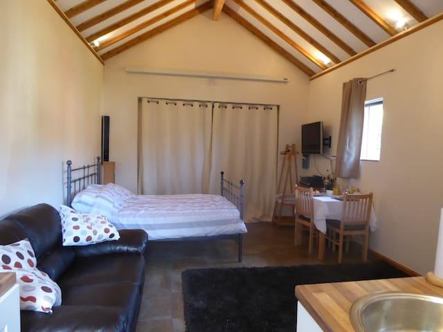 Studio Annex Dauntsey - Dauntsey - Bed & Breakfast