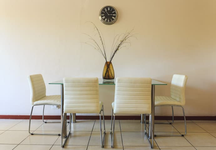 Beautiful and Spacious Apartment in Pretoria