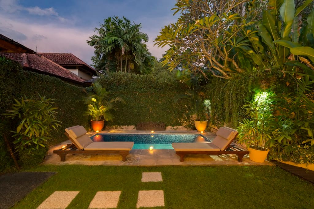 Deluxe 2 Bedroom Pool Villa - Pool at Night